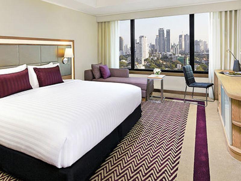 hotel-avani-atrium-bangkok