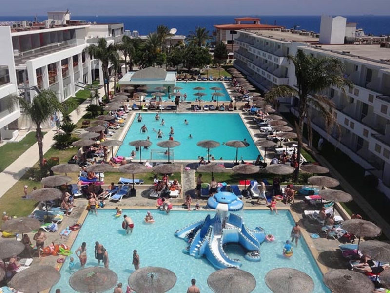 12 Sea Resort