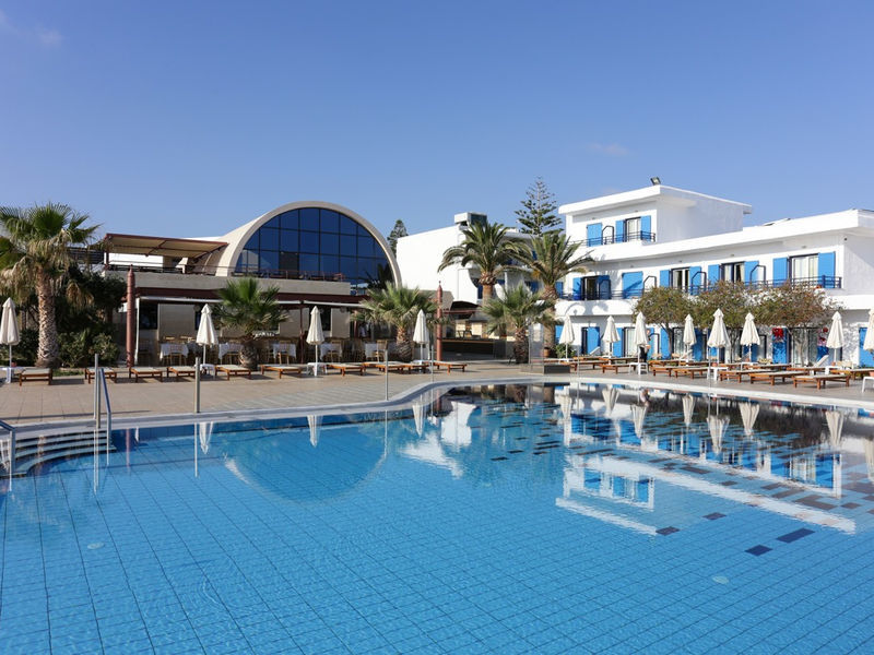 Kosta Mare Palace Resort & Spa