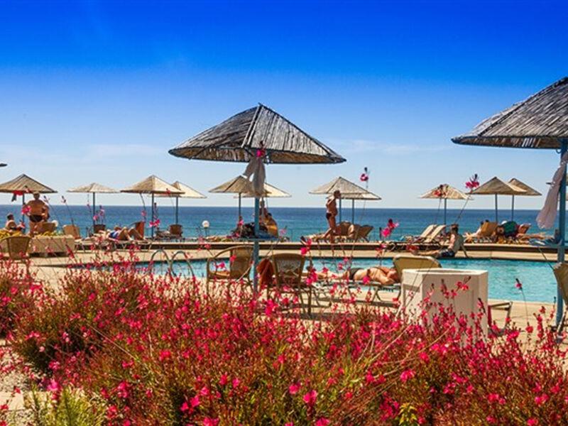 Lutania Beach
