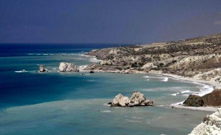 Afroditina skála mezi Paphosem a Limassolem
